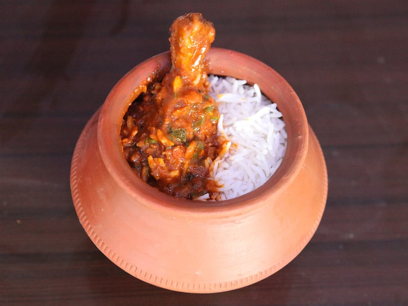 This Place In Dwarka Delivers Everything In A Kullad Starting @ INR 99!