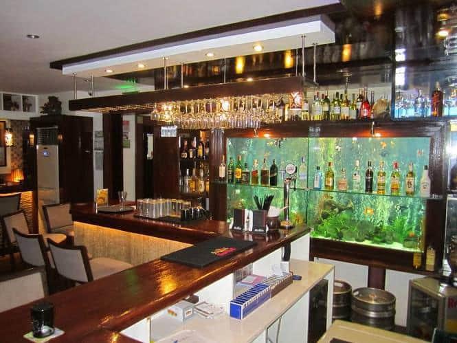 The living room bar marcelo green para aque city for Living room zomato