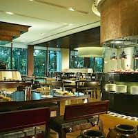 Hasil gambar untuk gambar tempat kuliner hotel shangrila