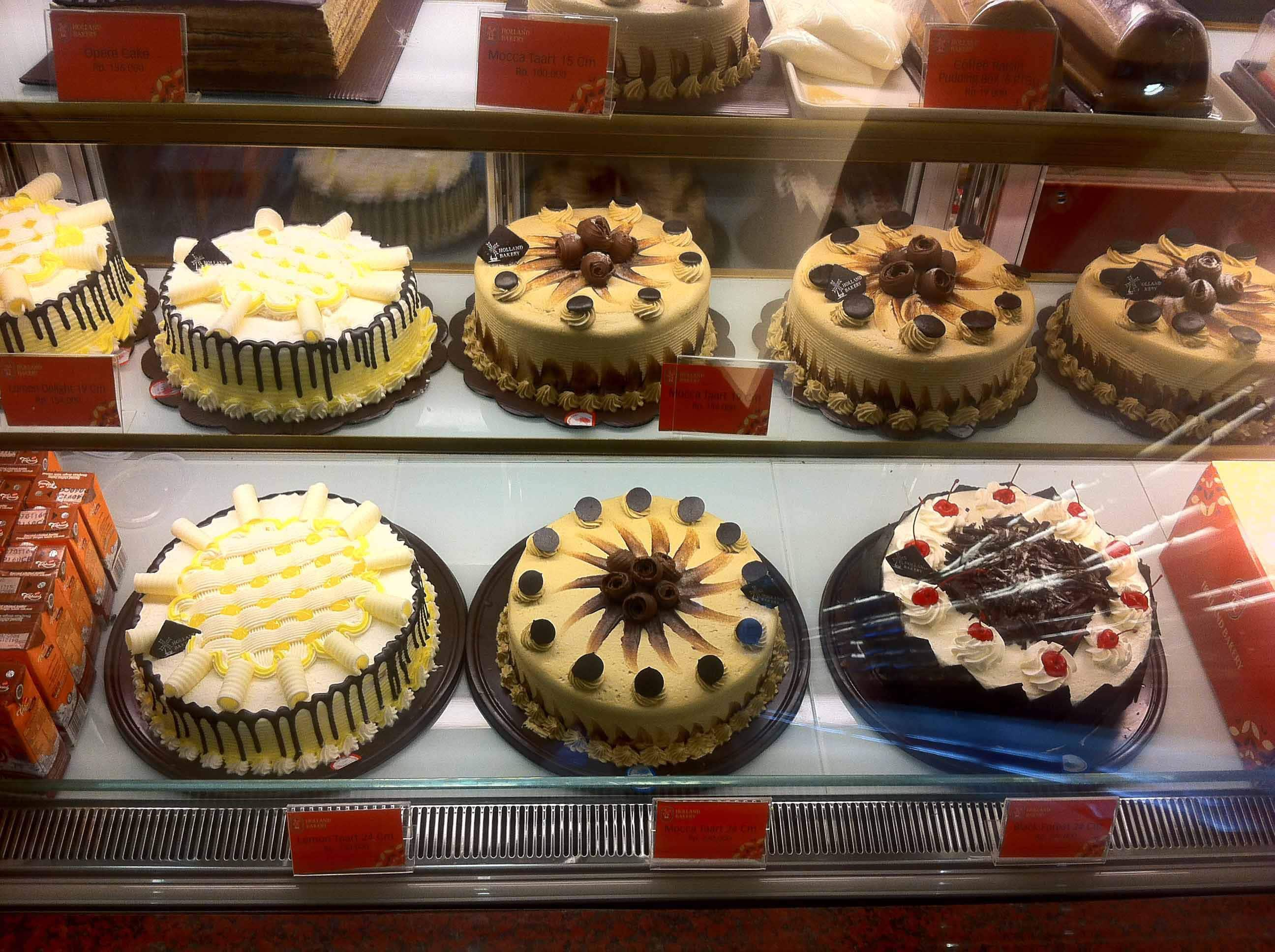toko roti di jakarta Holland Bakery