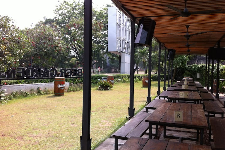 Beer Garden Scbd Jakarta