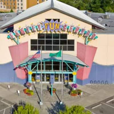 Family Fun Center & Bullwinkle's Restaurant, Tukwila, Tukwila