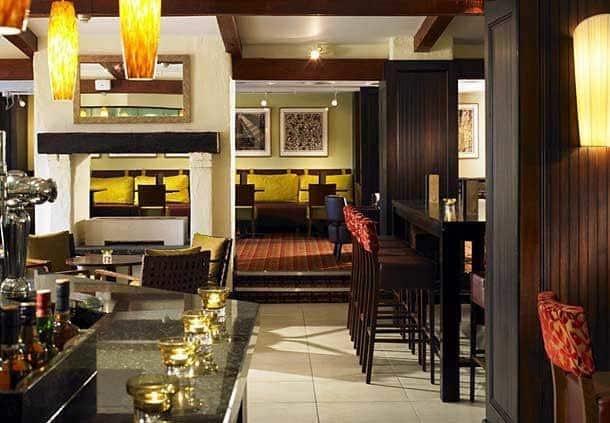 Oaks Bar Grill