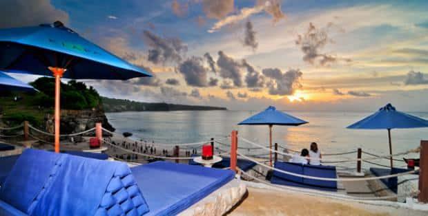 Florenzia Sutiono S Review For The Beach Cafe Klapa Uluwatu Bali