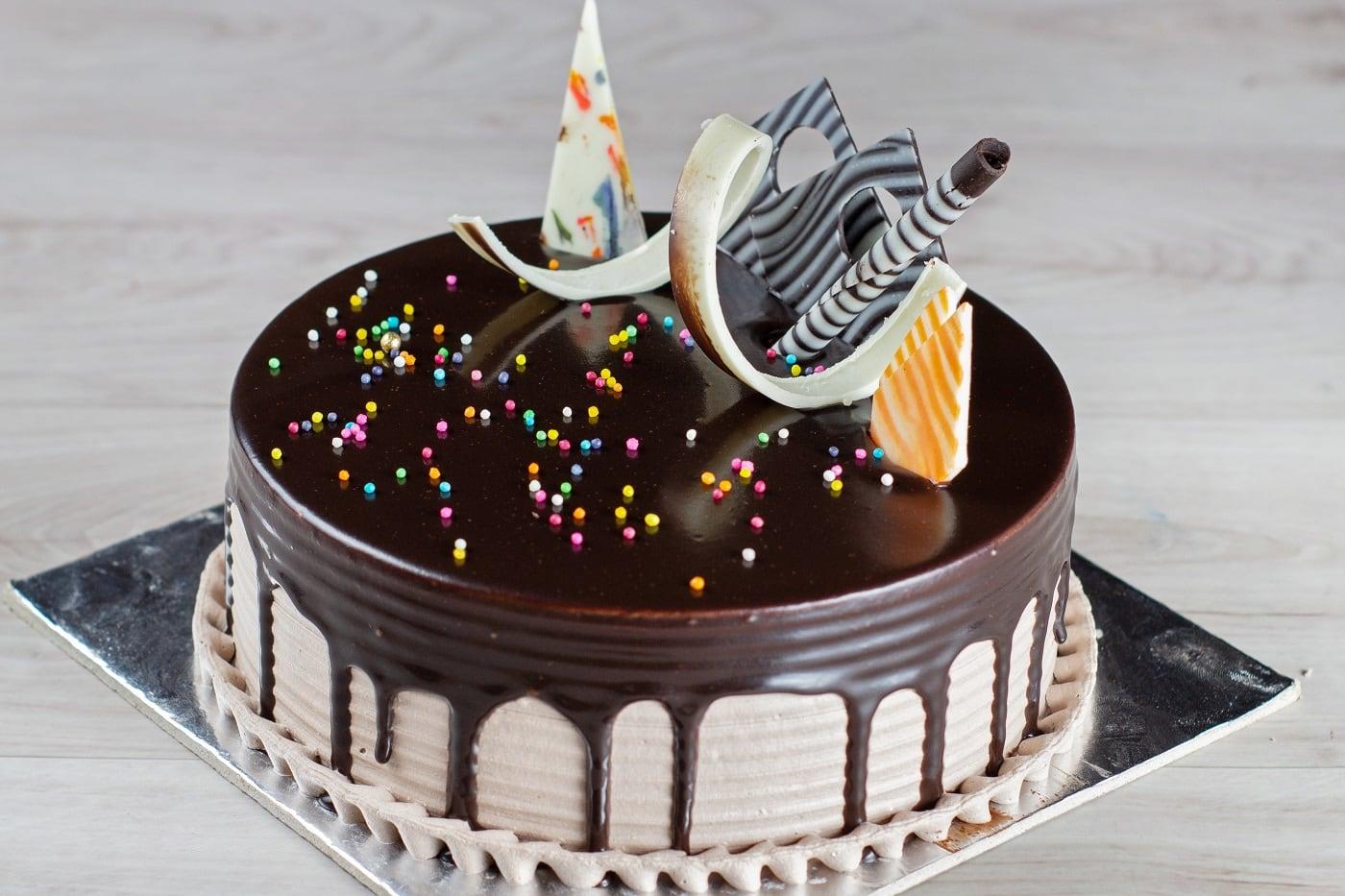 Cake It Out, Adajan Gam, Surat