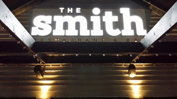 the smith restaurant bar canyon meadows calgary. Black Bedroom Furniture Sets. Home Design Ideas