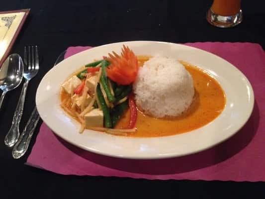 Thai basil restaurant ithaca finger lakes region for Asian cuisine ithaca