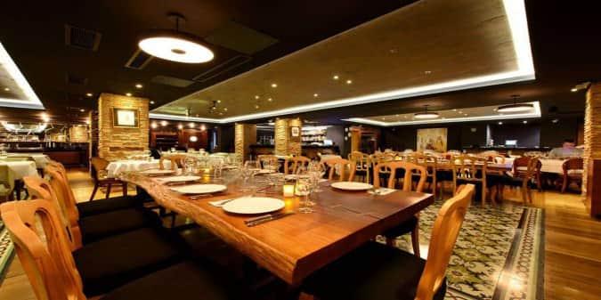 Cafe de paris hotel suadiye suadiye foto raflar cafe for Luce suites taksim