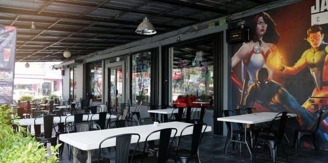 Mau Makan Serasa di Negeri Dongeng? Datang ke Cafe Hitz ini!