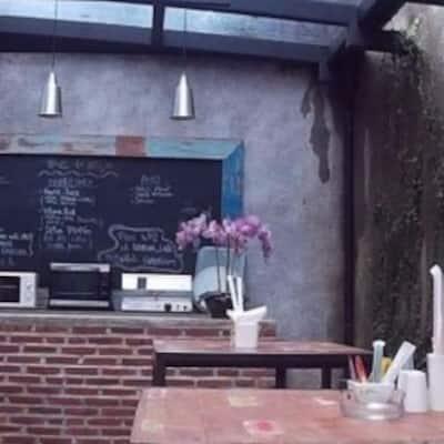 Livingroom Cafe Cilandak Jakarta