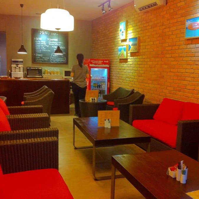 Livingroom cafe reviews user reviews for livingroom cafe for Living room zomato