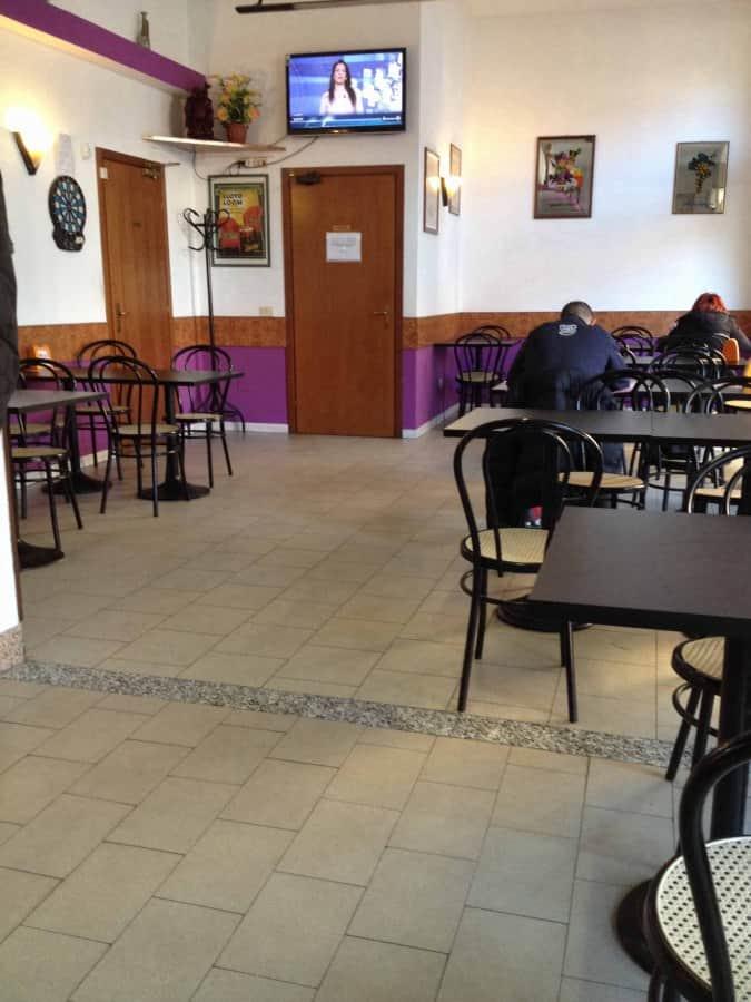 Trattoria happy bar a milano foto del menu con prezzi - Trattoria con giardino milano ...