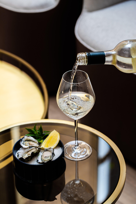 Pier St. Grill   PS Wine - Novotel Sydney Darling Square | Novotel Sydney Darling Square, 17 Little Pier Street, Haymarket, Sydney, NSW 2000 | +61 2 8217 4000