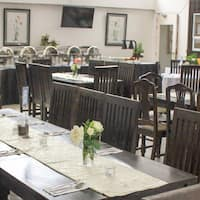The Dining Room At Gourmet Farmss Photo