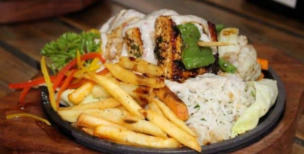 Cravingsoulspune's review for Pavaroti's, Model Colony, Pune