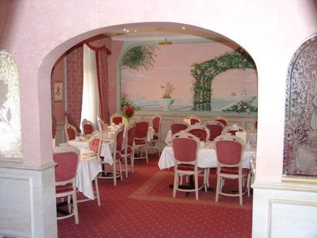 Rose garden restaurant bayswater london zomato uk for 45 queensborough terrace bayswater london