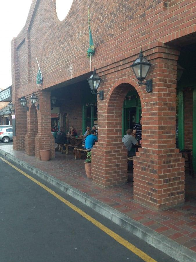 Saints atlasville east rand zomato sa for Pub cash piscine