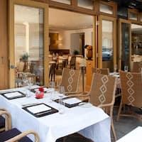 Jumeirah Lowndes Lowndes bar kitchen jumeirah lowndes hotel lowndes street lowndes bar amp kitchen jumeirah lowndes hotel knightsbridge photos sisterspd