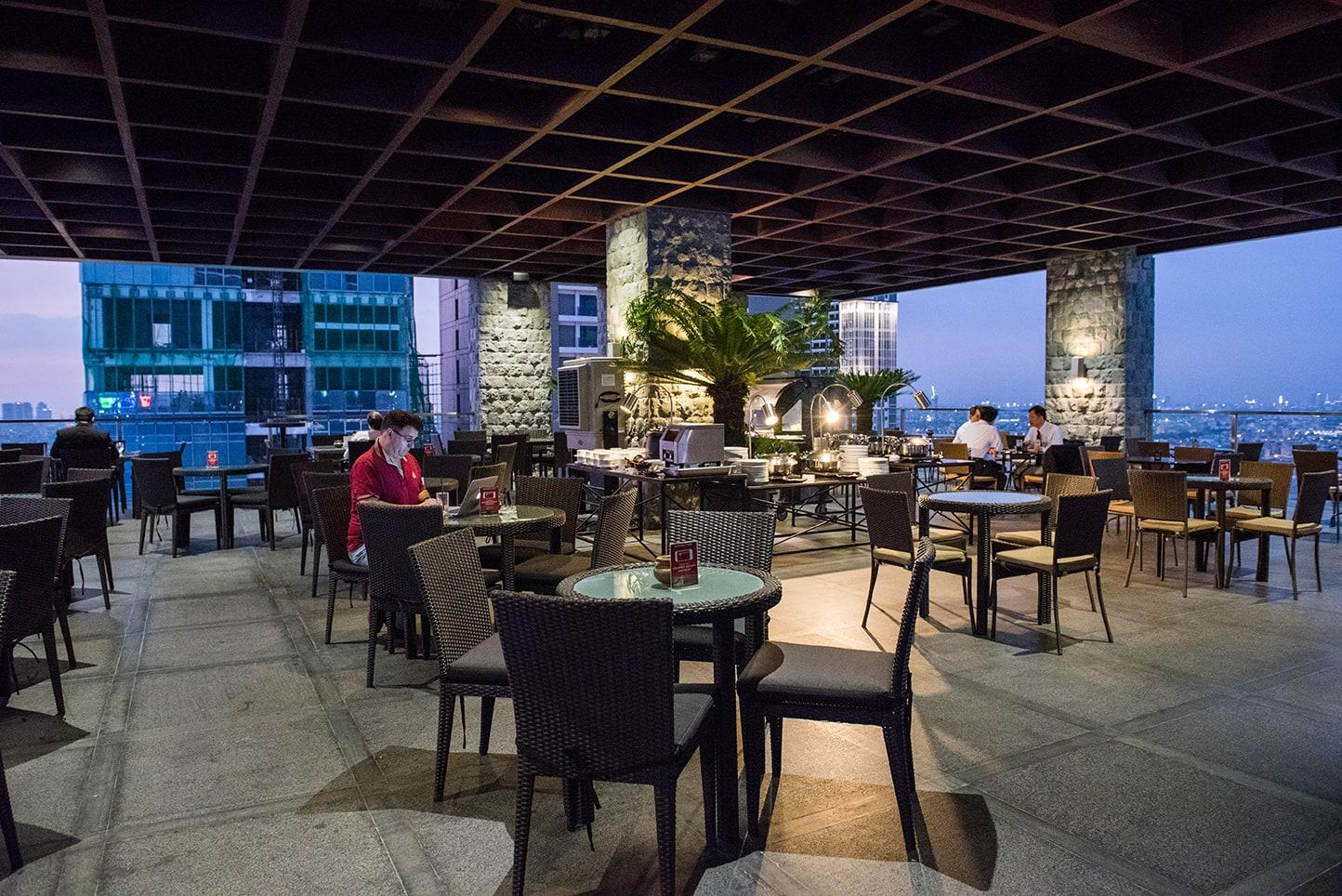 Firefly Roofdeck   City Garden Grand Hotel, Poblacion Photos