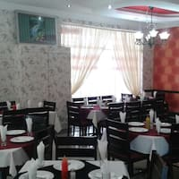 Al hamra photos pictures of al hamra mayfair inner city for Al hamra authentic indian cuisine