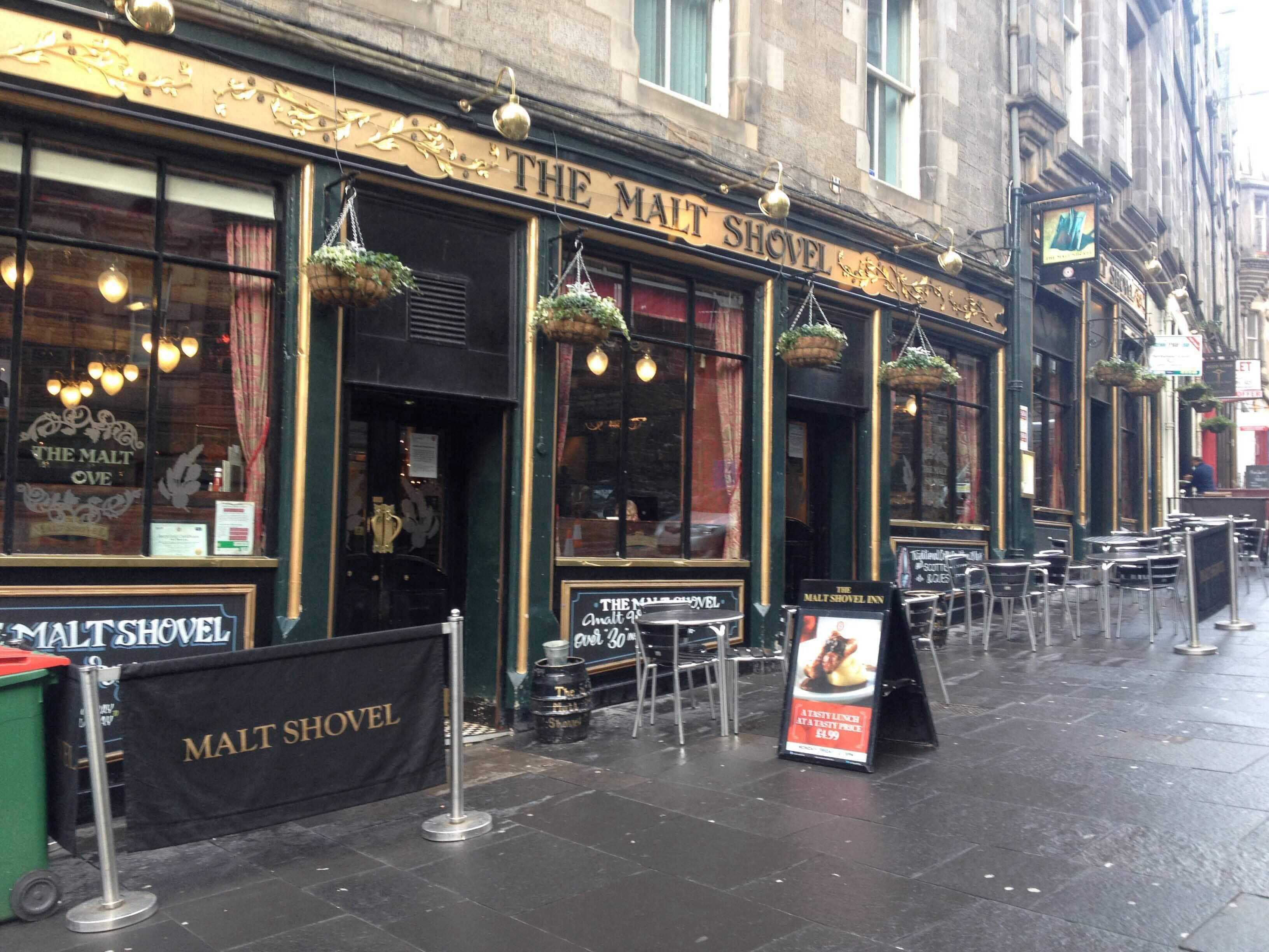 The Malt Shovel Taylor Walker Reviews User Reviews For The Malt Shovel Taylor Walker Cockburn Street Old Town Edinburgh