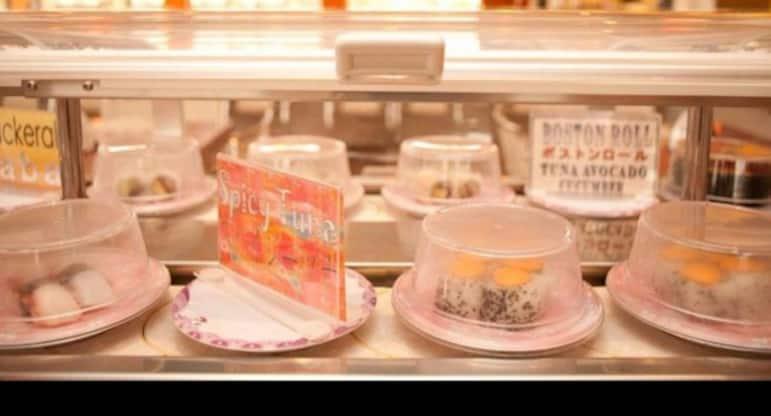 Sushi Station Illinois – Platus asortimentas, galimybė užsisakyti iš anksto.