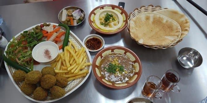Falafel Al Akawi, Fereej Bin Mahmoud, Doha - Zomato Qatar