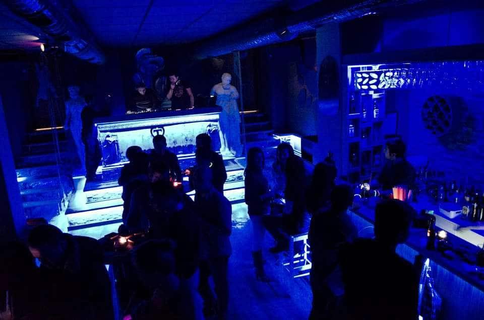 Club temple
