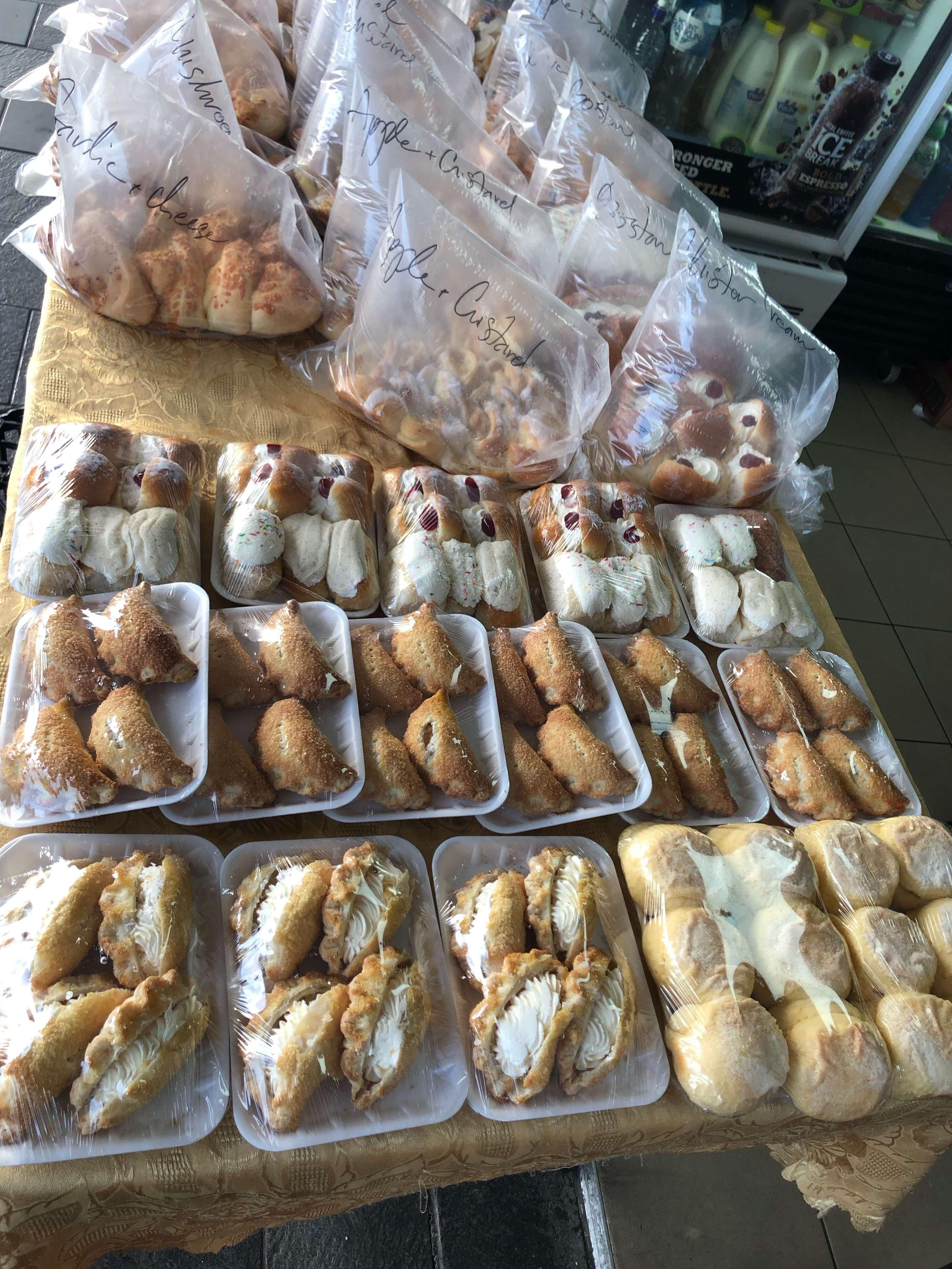 Bread n Roll Bakery