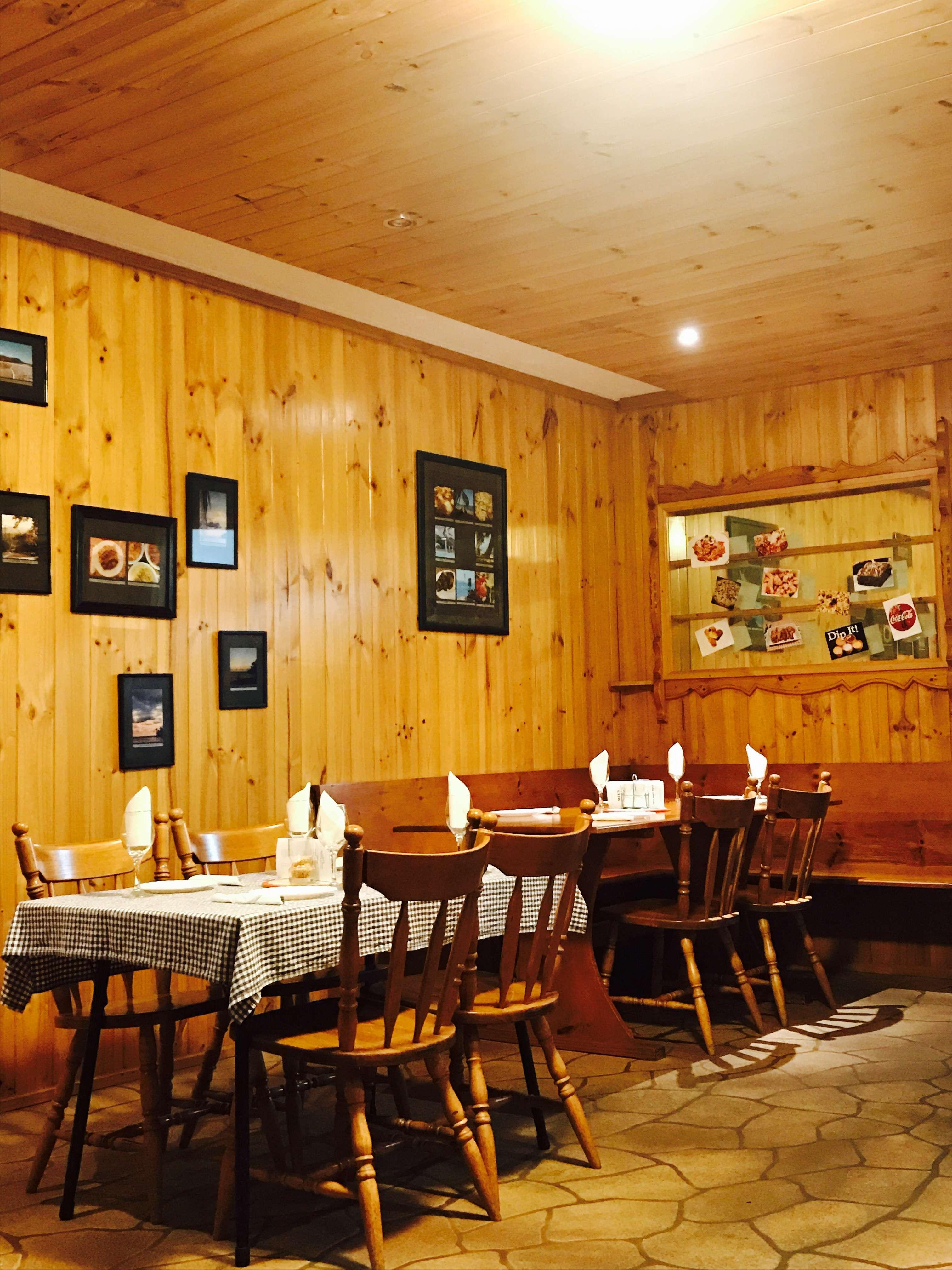 Mel's Pizzeria & Italian Restaurant