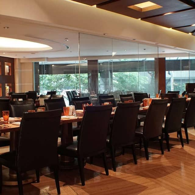 Circles Event Cafe - Makati Shangri-La, Manila