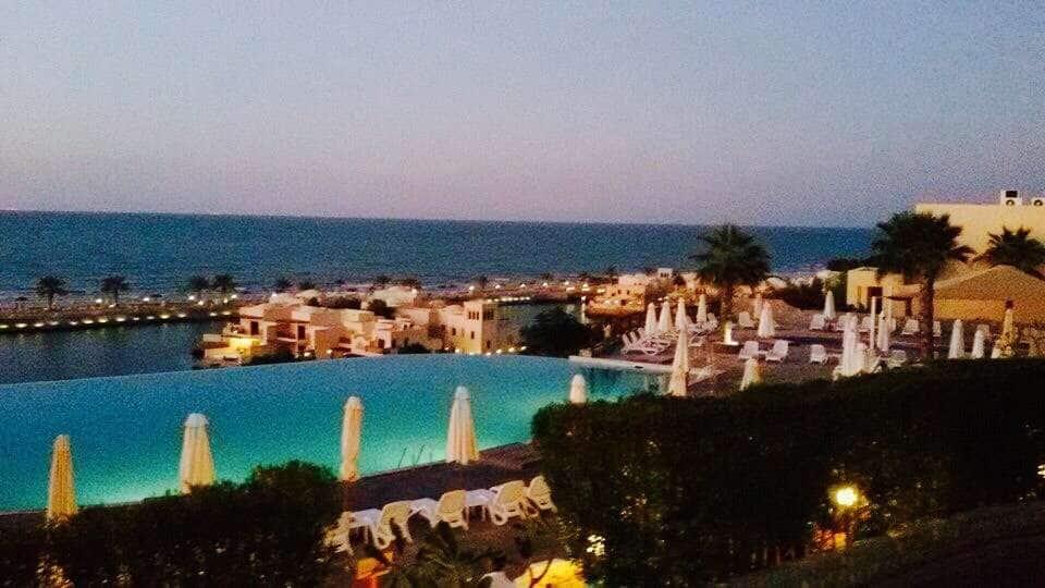 Breeze - The Cove Rotana Resort