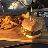 Bossa social cafe and bar somerset west cape town for Food bar somerset mb
