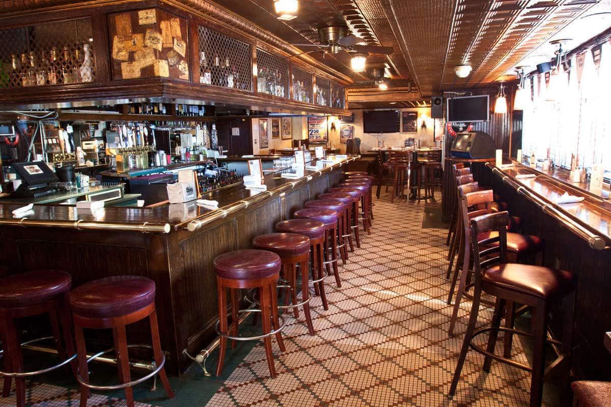 Winberies Restaurant & Bar