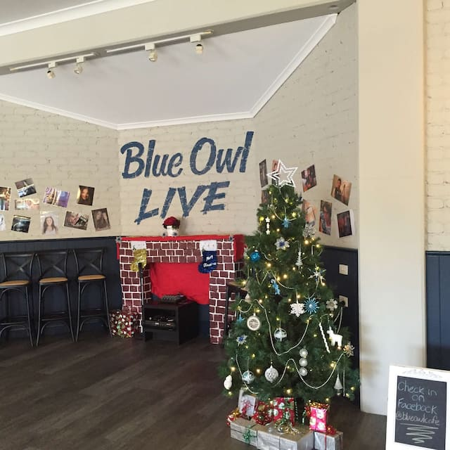 Blue Owl Cafe and Restaurant