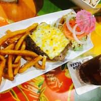 Cheeseburger Land in Paradise, Honolulu, Rest of Hawaii