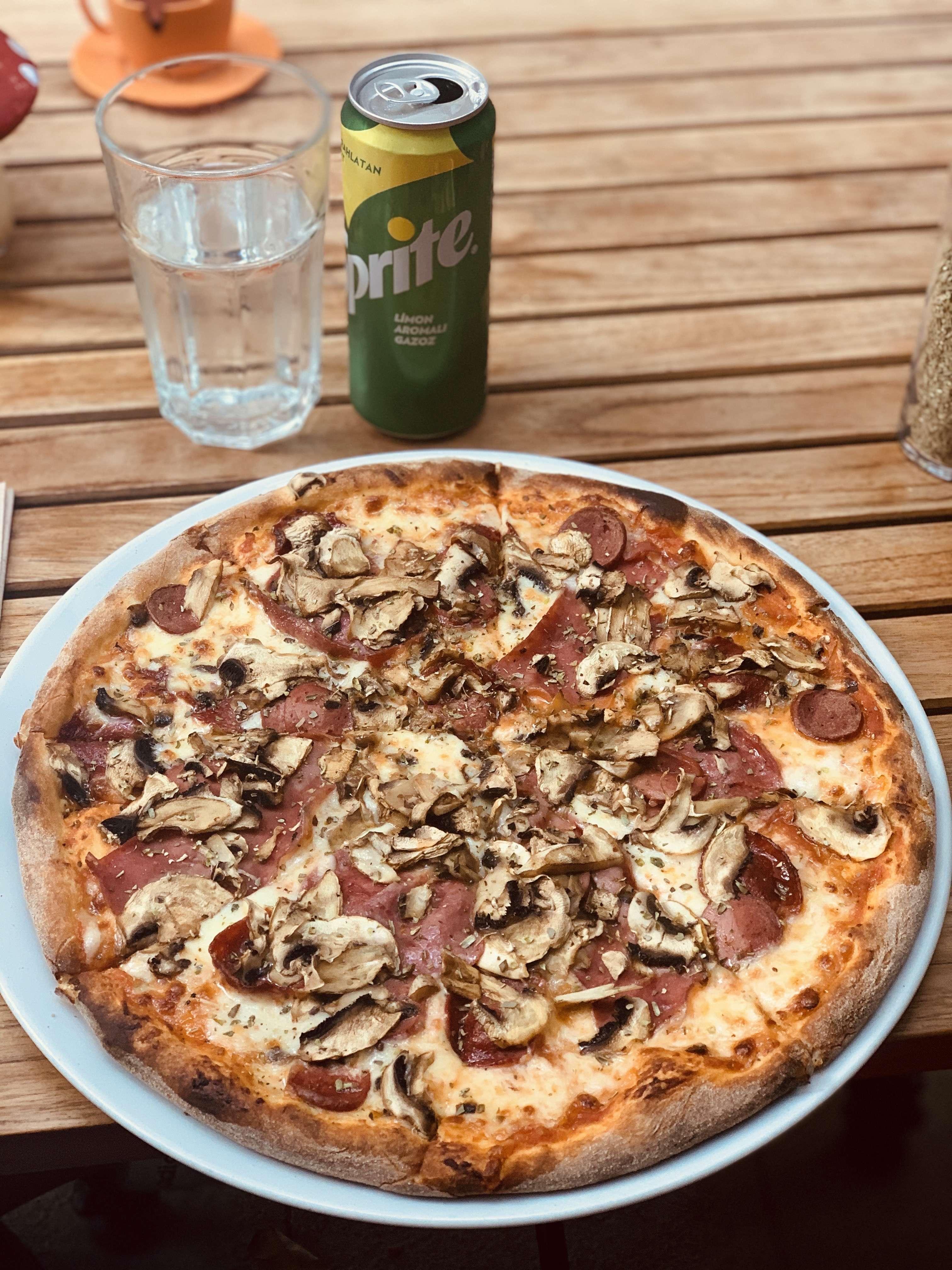 Olivia's Pizzeria