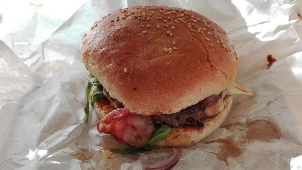Sztrass Burger