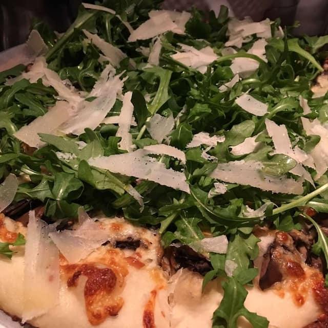 Una Pizza and Wine