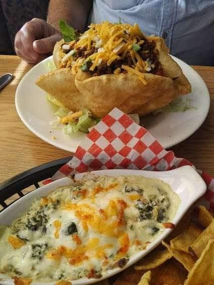 Harvest Lounge & Grill