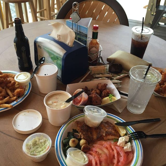 Key Largo Fisheries Backyard Cafe