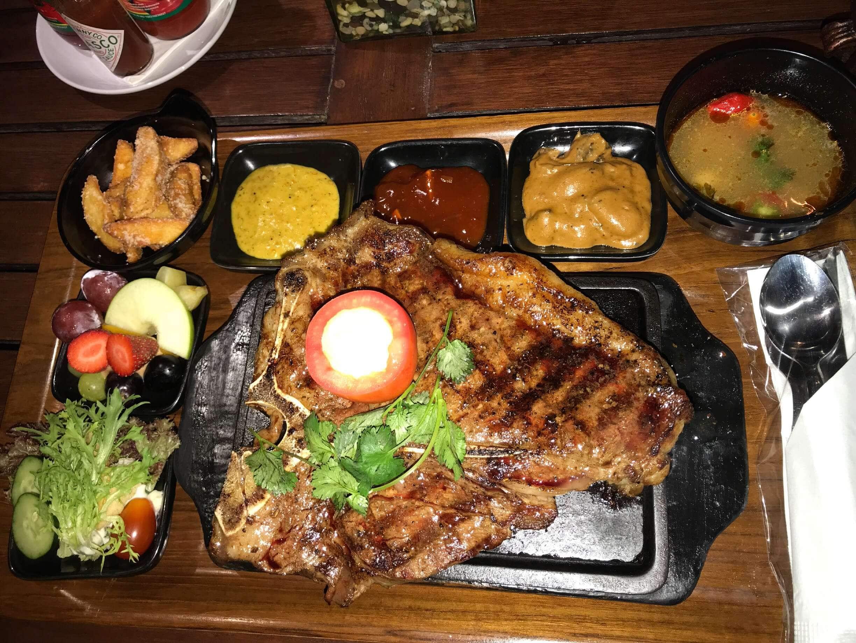 the valley bistro cafe dago pakar bandung zomato indonesia rh zomato com