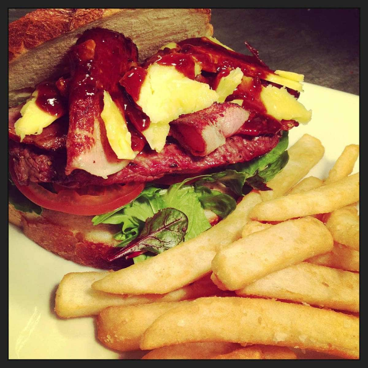 McColls Kitchen @ Dicey Rileys Hotel | 333 Crown Street, Wollongong, New South Wales 2500 | +61 2 4244 2881