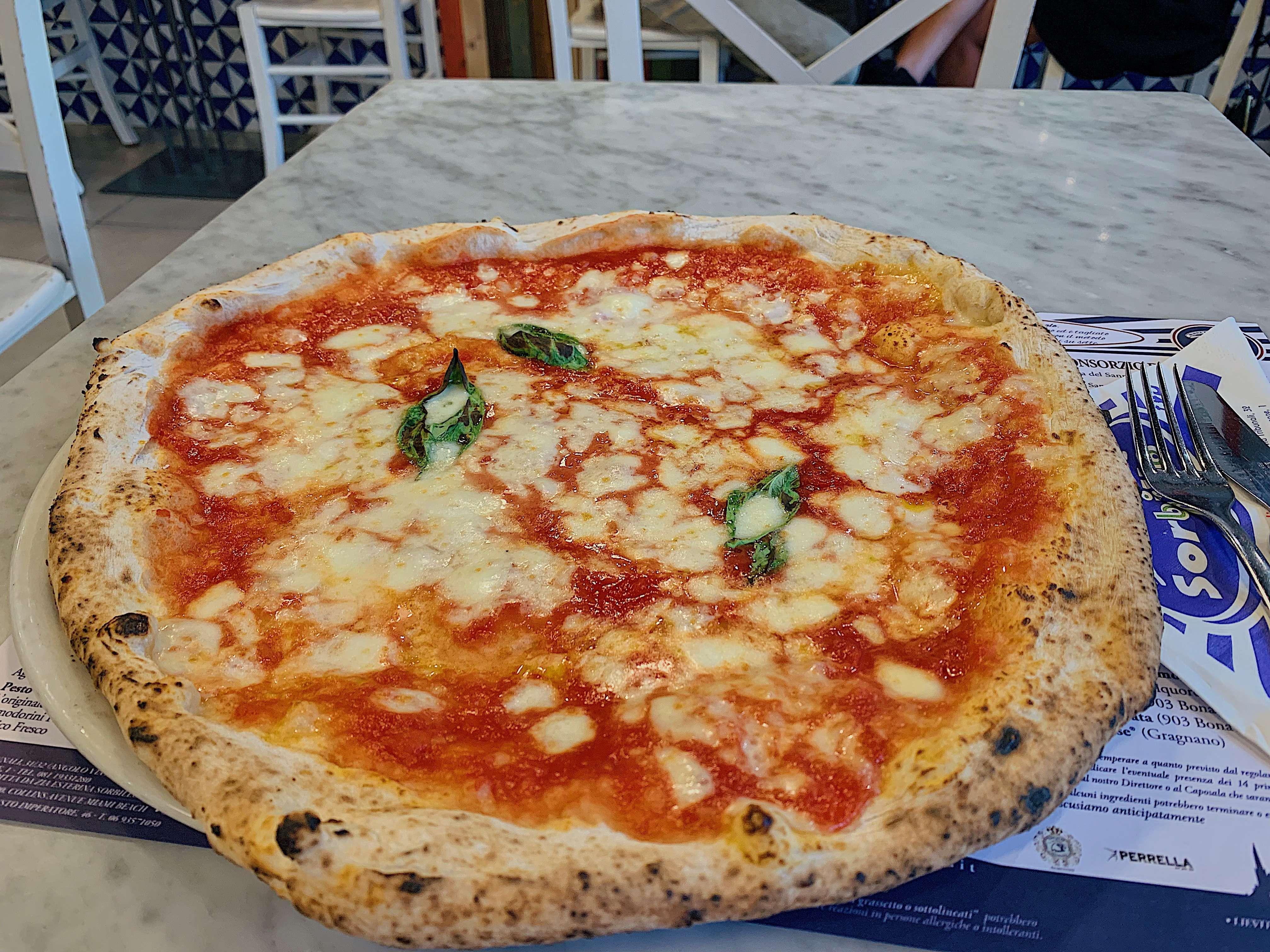 Pizzeria Gino Sorbillo - Lievito Madre al Duomo