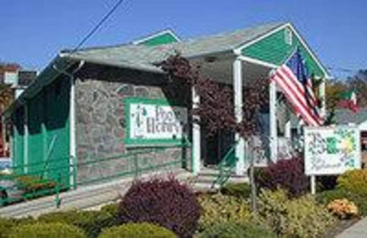 Poor Henry's Restaurant