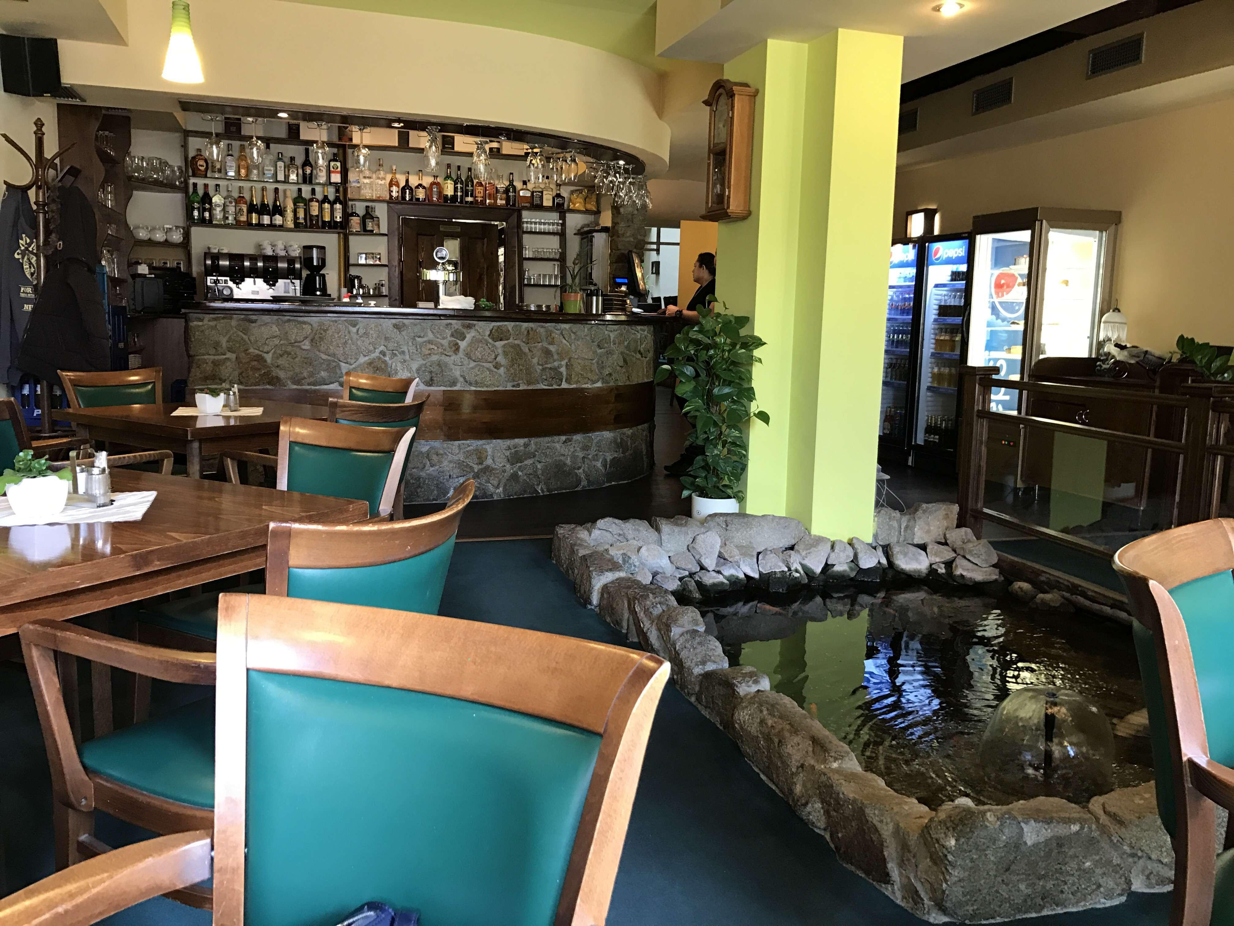 AQA Restaurant & Pub